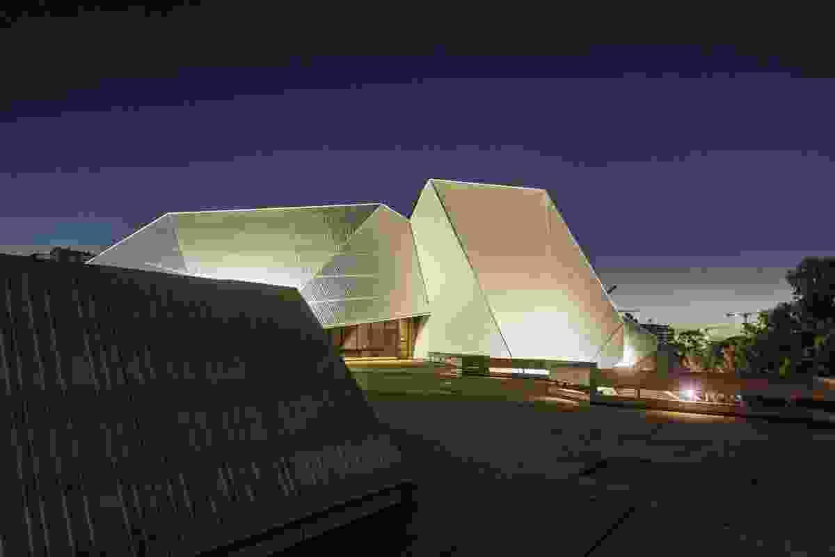 阿德莱德节中心,哈瑟尔(1965-80)。