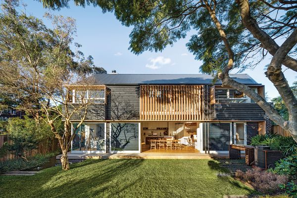 Barn House (2015) was designed in collaboration with owner and landscape designer William Dangar and interior designer Romy Alwill.