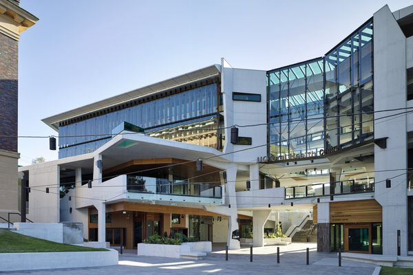 University of Queensland Oral Health Centre by Cox Rayner Architects with Hames Sharley and Conrad Gargett Riddel.