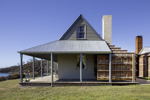 Captain Kelly's Cottage by John Wardle Architects.
