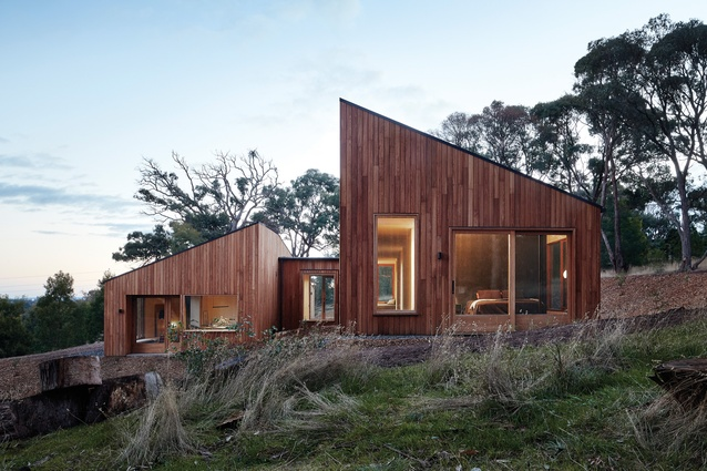 """A """"split-and-slide"""" architectural manoeuvre ensures that both halves of the house have access to views and sunshine."""