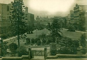 Wynyard Park in 1906, just before the fences were removed to allow public access to this previously private open space.