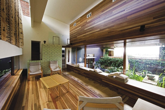 Z House, 2008, Brisbane, Qld: The experience is focused on the central internal garden.