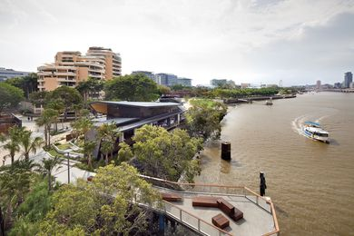 River Quay by Cardno and Arkhefield was a winner at the 2012 Australia Award for Urban Design and winner of the 2014 National Landscape Architecture Award for Design.