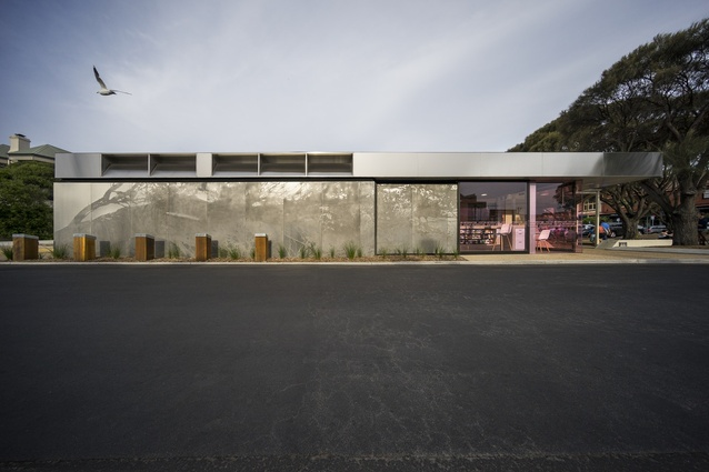 Sorrento Visitor Centre by Workshop Architecture.