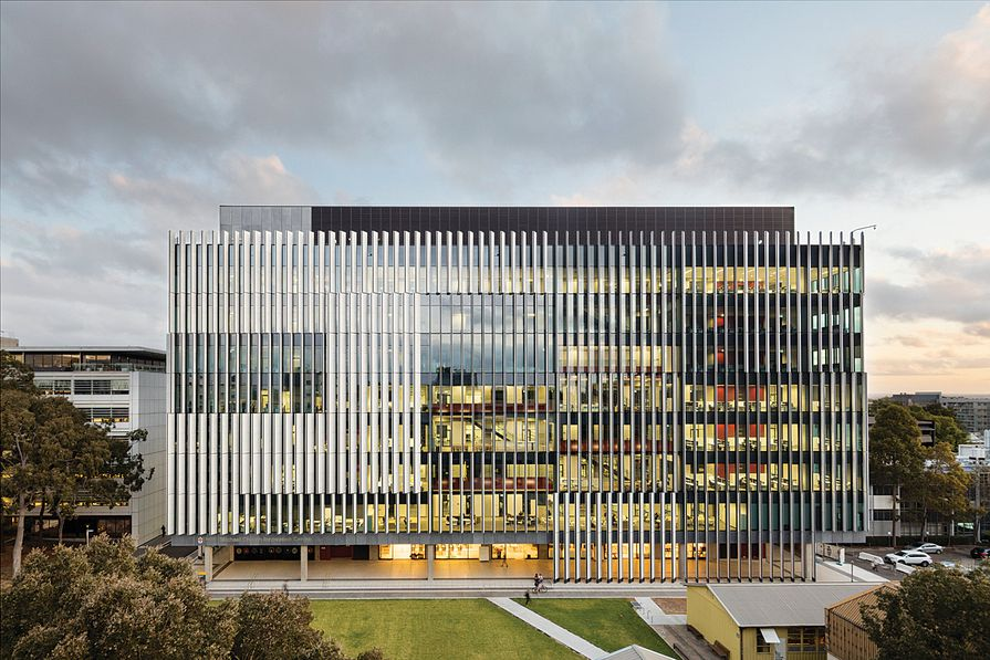 UNSW Materials Science and Engineering Building by Grimshaw.