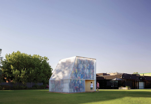 Plastic Palace by Raffaello Rosselli Architect was the first iteration the Summer Place series.
