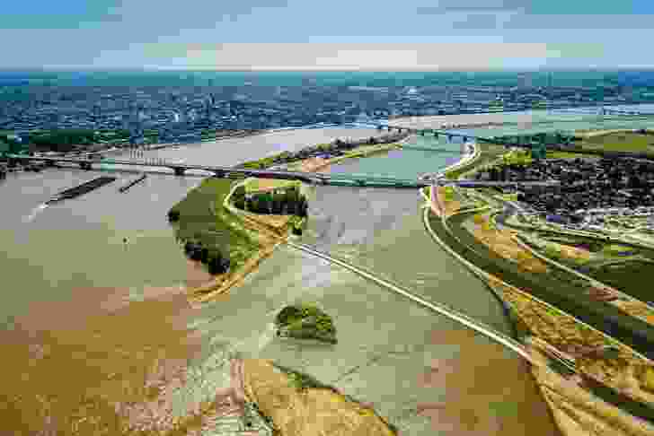 The flood-control channel in Nijmegen has created an ephemeral island that forms part of a new river park.