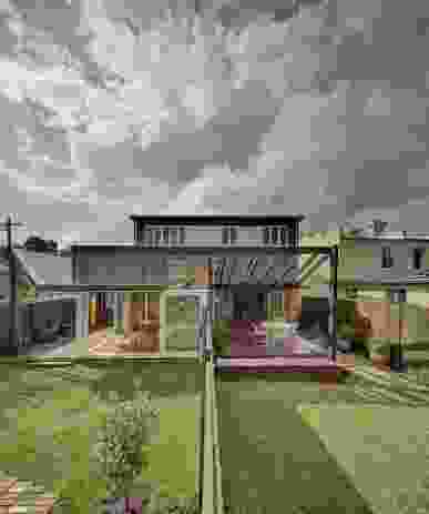 Boyle reimagined the site in three parcels, creating two separate dwellings from the original house and a new house at the rear of the site.