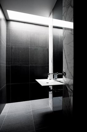 The minimalist powder room.