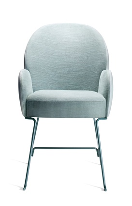 The Beetly chair for Sé Collection II, inspired by the curved shapes of beetles.