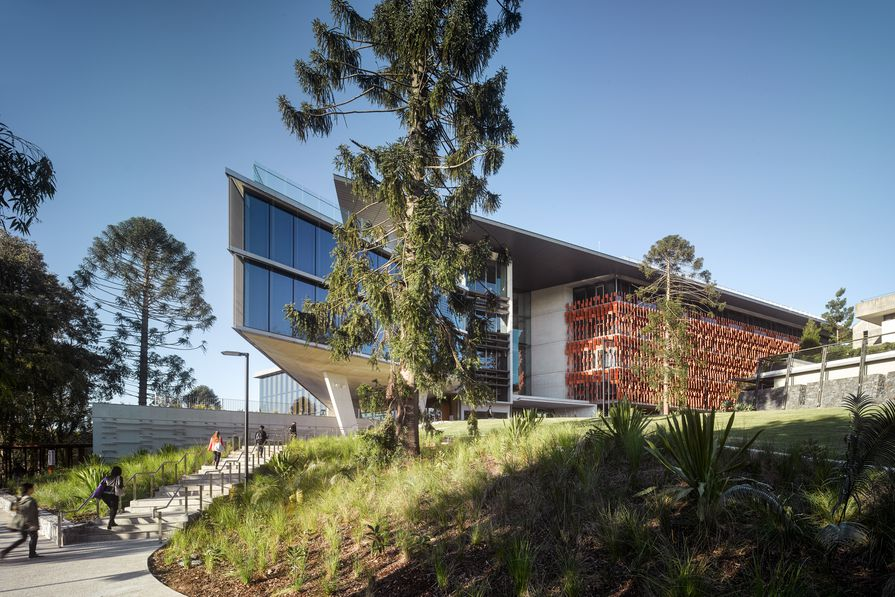 UQ Advanced Engineering Building (Qld) by Richard Kirk Architect Hassell Joint Venture.