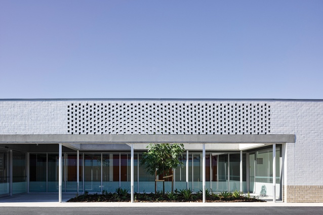 Domesticated Commercial North Lakes Veterinary Hospital Architectureau