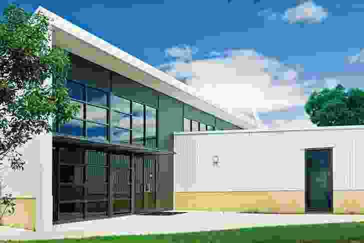 Sunbury Heights Primary School by Gray Puksand.