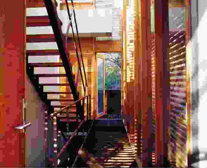 Carter/Tucker House (1998–2000): fluid, ambiguous spaces and undefined circulation characterize the work of Sean Godsell.