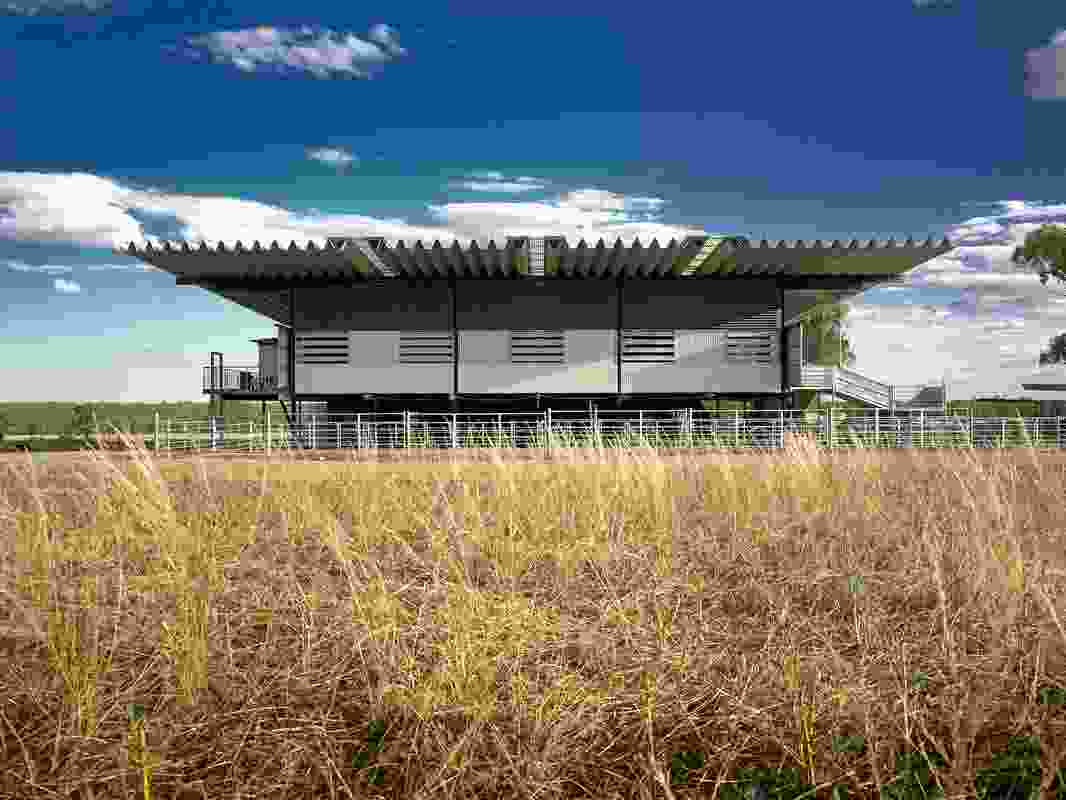Deepwater Woolshed, WaggaWagga, NSW, by Peter Stutchbury Architecture (2001–05).