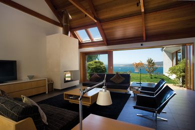 Trial Bay House by James Jones/HBV Architects.