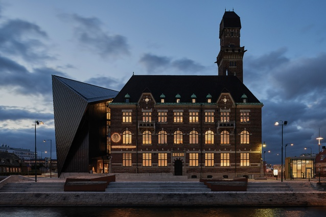 Tornhuset, an extension by Terroir and Kim Utzon Architecture, adds another 3,000 square metres to the existing 1910 World Maritime University building.