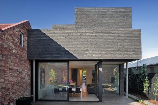 Alexandra Street House by Robert Simeoni Architects.