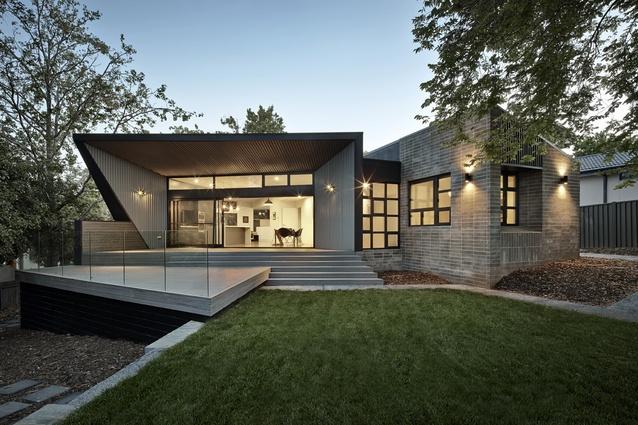 Narrabundah House by Adam Dettrick Architects.