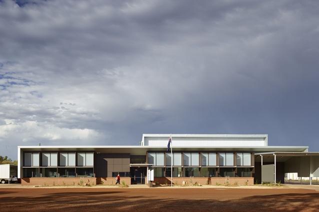 Royal Flying Doctor Service – Charleville Base by DM2 Architecture.