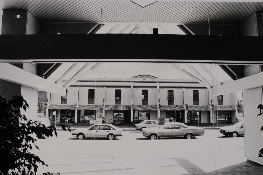 St. George's Terrace on Phillip Street circa 1987. (property Parramatta Tourist Centre Negs: P.C.C.)