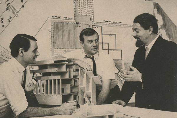 John Andrews (centre) with Michael Hough (left) and Michael Hugo-Brunt (right) at Scarborough College Library, University of Toronto.