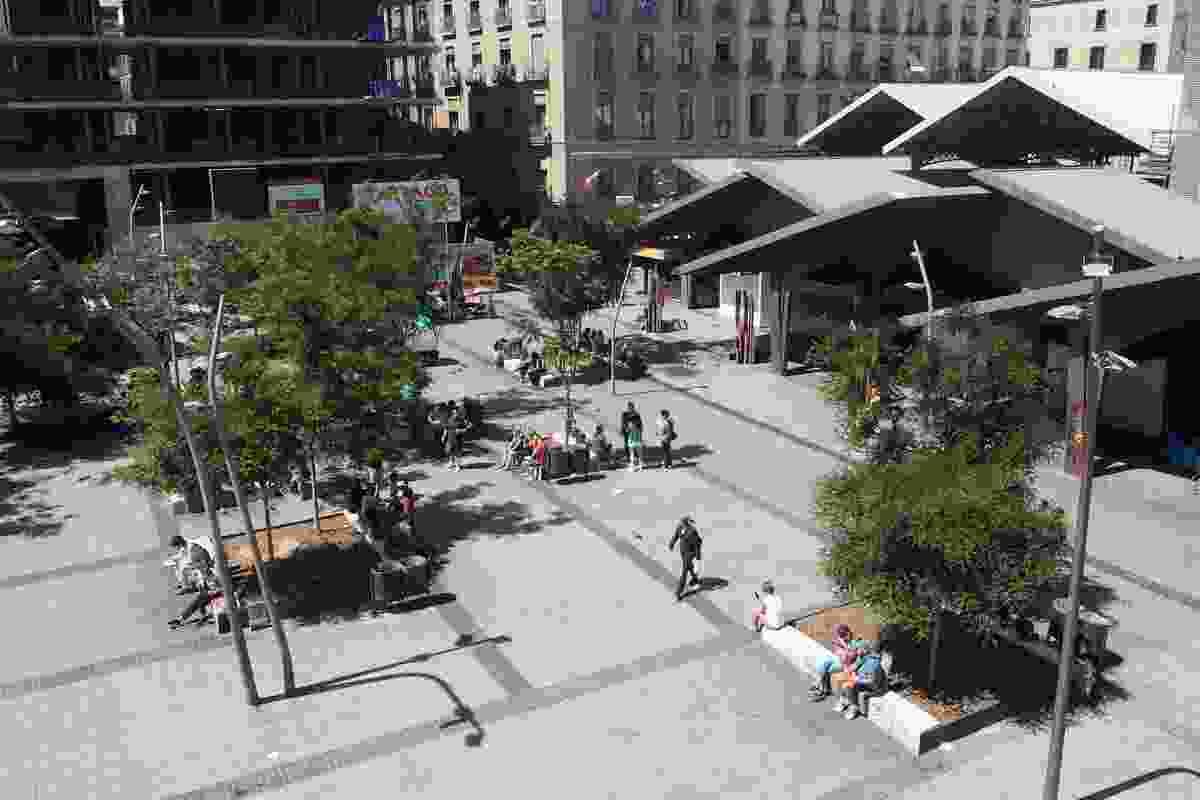Gardunya Square by Estudio Carme Pinós.