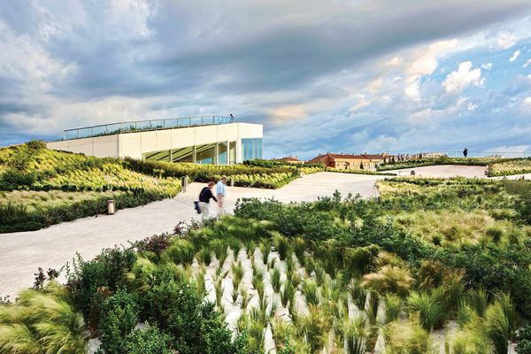 Felipe VI Park, designed in collaboration with Ábalos and Sentkiewicz Architects, is a park on the rooftop of a train station in Logrono. The density of the shrub plantings increases relative to the slope gradient, acting as a form of erosion control.