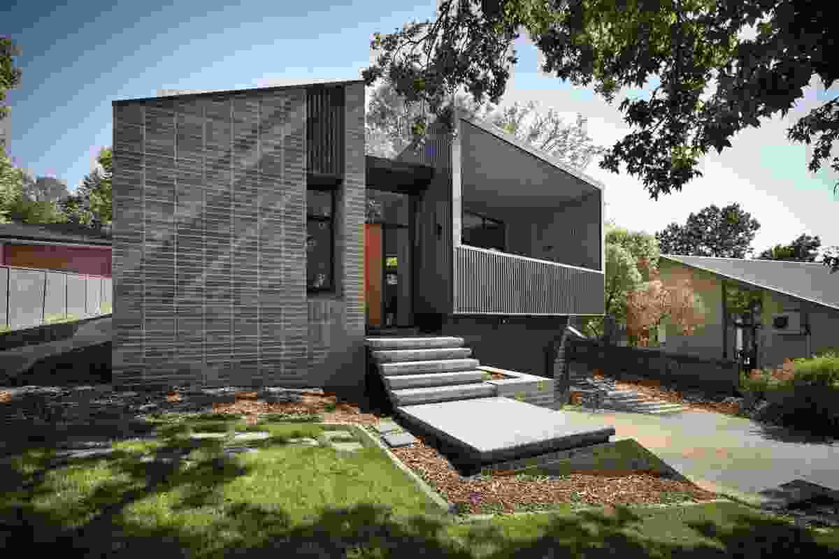 Narrabundah House by Adam Dettrick Architects .