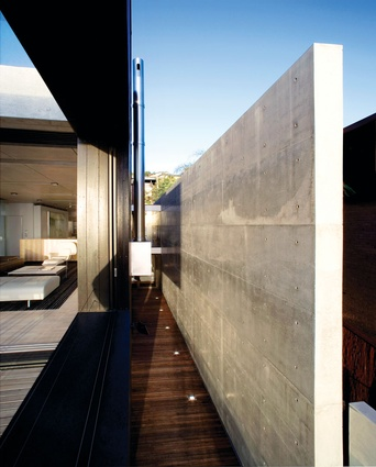 Whale Beach House: Concrete walls protect against the weather.