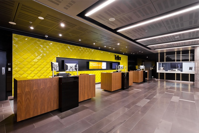 Commonwealth Bank Australia – Gray Puksand