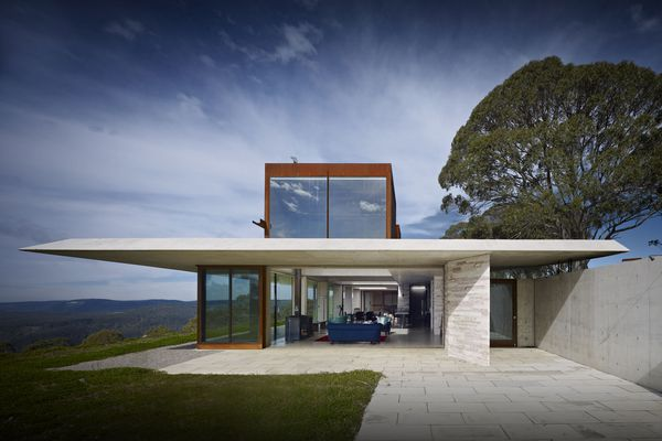 Australian House of the Year and winner of New House over 200 m2: Invisible House by Peter Stutchbury Architecture.