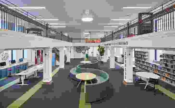 该建筑物的一部分致力于曼彻斯特学术租赁学校,该学校使用博物馆展品来告知其学习模式。