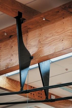 The tensile trusses are a hoe or paddle derivation.